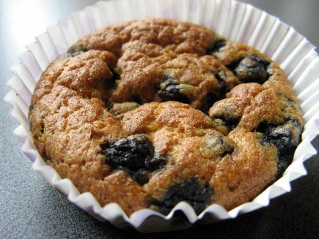 Fasolowe muffinki z jagodami