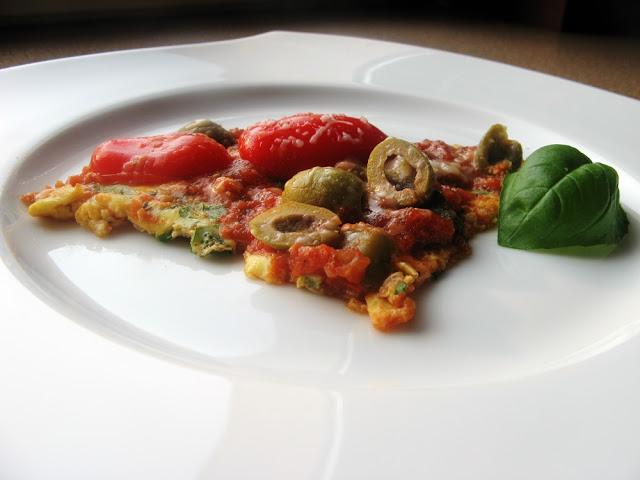 Dietetyczna włoska frittata z parmezanem