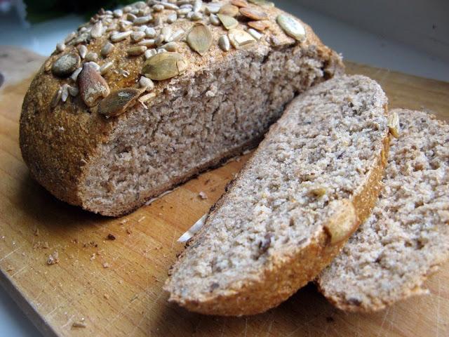 Pełnoziarnisty chleb orkiszowo-żytni