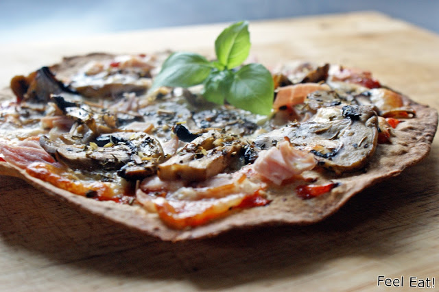 Pizza na pełnoziarnistej domowej tortilli