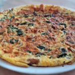 Omlet z kurkami i szpinakiem