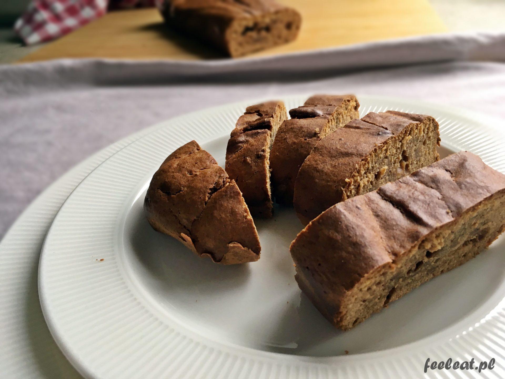 Ciasto z daktylami i z cynamonem