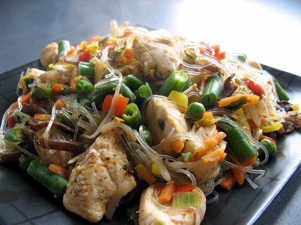 IMG 4363 - Kurczak orientalny z makaronem chińskim z fasoli na ostro