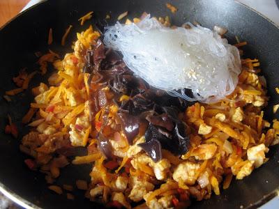 IMG 6863 - Sajgonki light z piekarnika z kurczakiem i warzywami