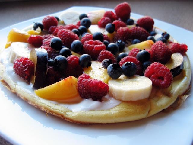 Omlet biszkoptowy z owocami bez dodatku cukru
