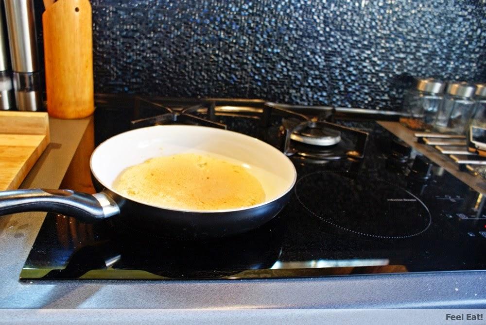 image 1 1 - Amarantusowy omlet śniadaniowy z owocami