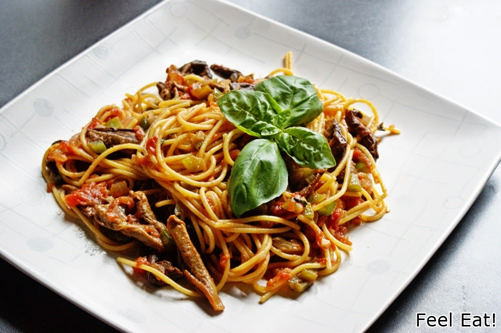 DSC06212 - Spaghetti con funghi e peperoni/ Spaghetti z grzybami i zieloną papryką