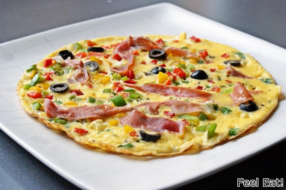DSC06192 - Omlet z prosciutto, papryką i oliwkami