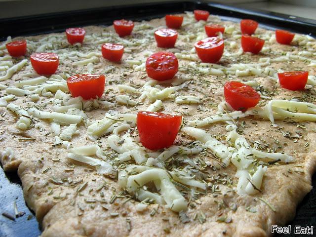 IMG 2064 - Orkiszowa pełnoziarnista focaccia z pomidorami i mozzarellą