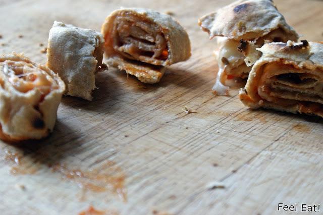 DSC08869 - Zdrowe koreczki z pomidorami, bazylią i tortillą zapiekaną z serem mozzarella