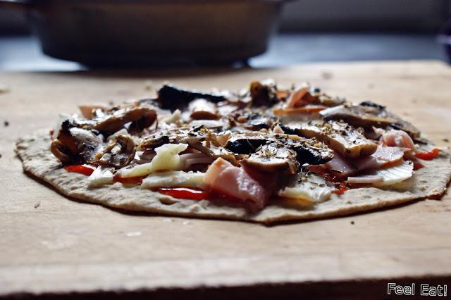 DSC08856 - Pizza na pełnoziarnistej domowej tortilli